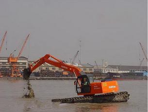 水上挖掘机施工